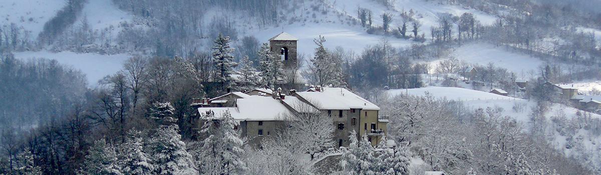 Immagine invernale del Castello di Badia Tedalda