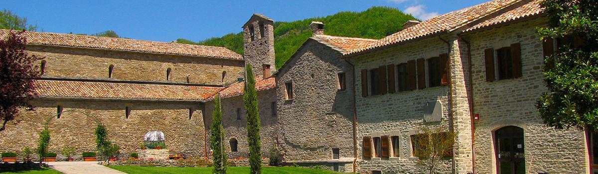 Immagine esterna dell'Abbazia di Lamoli