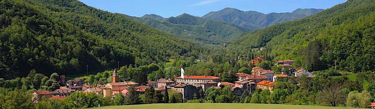 Vista di Borgo Pace dal campo di golf