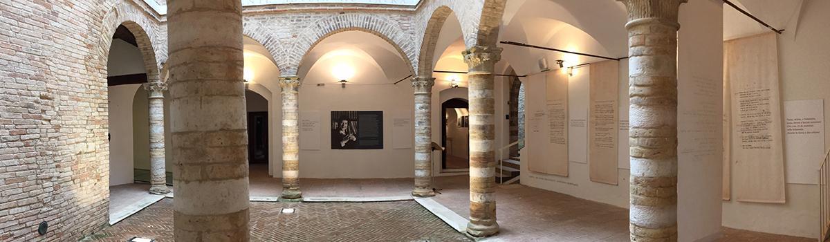Immagine del chiostro del Palazzo Odasi