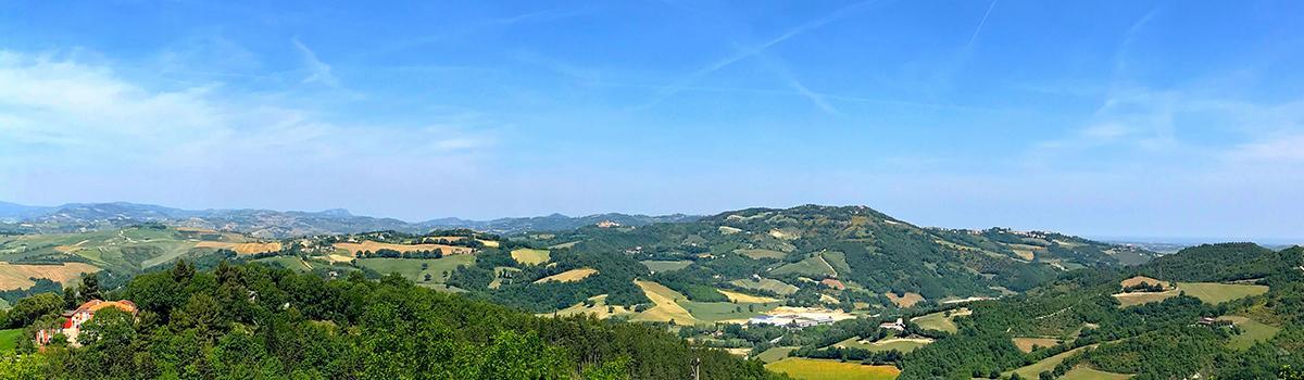 Immagine del panorama da Petriano