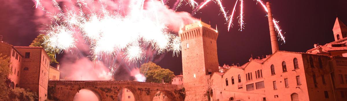 Immagine dei fuochi d'artificio a Fermignano