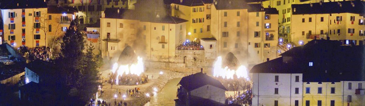 Immagine della Festa dei Falò di Rocca San Casciano