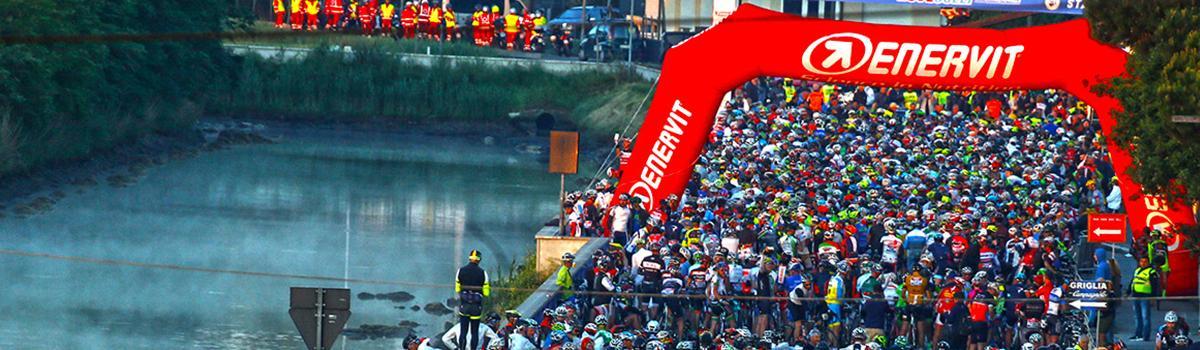 Immagine di ciclisti impegnati nella Nove Colli