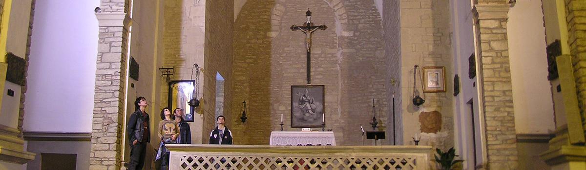 Immagine dell'interno dell'abbazia di Sant'Ellero a Galeata