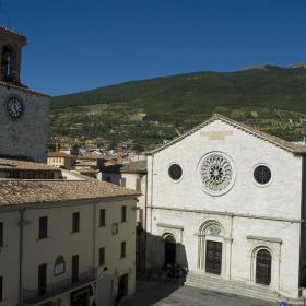 Immagine della Cattedrale di San Benedetto a Gualdo Tadino