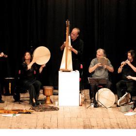 Immagine di una esibizione al Festival della Musica Popolare di Forlimpopoli (foto di Massimo Brizi)
